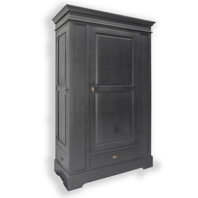 Hunter cabinet