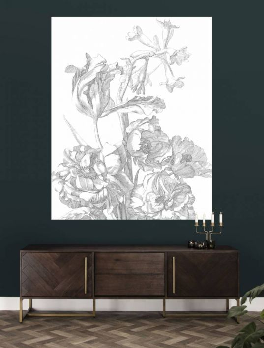 Engraved flowers panel